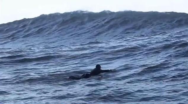 Maroon 5 surfe en Irlande dans son dernier clip Runaway