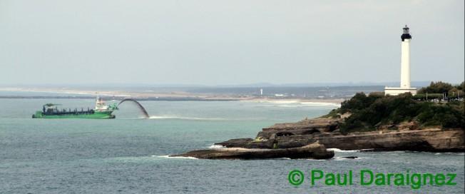 Il faisait quoi ce bateau lundi devant les plages d'Anglet ?