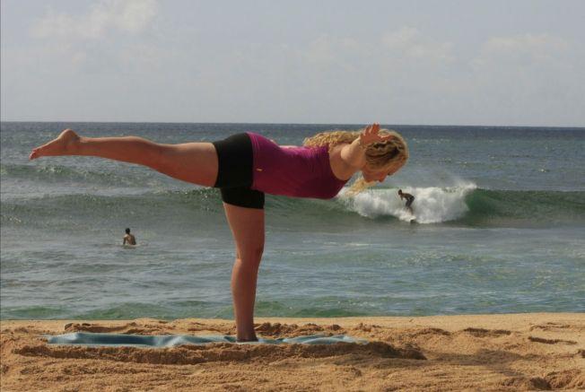 Surf Thérapie – Yoga par la Mer : Asana Virabhadrasana III