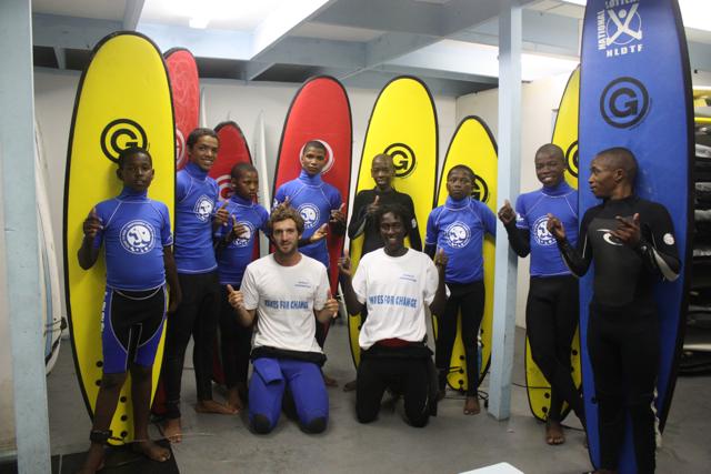 Isiqalo Foundation : le surf pour sensibiliser au SIDA en Afrique du Sud