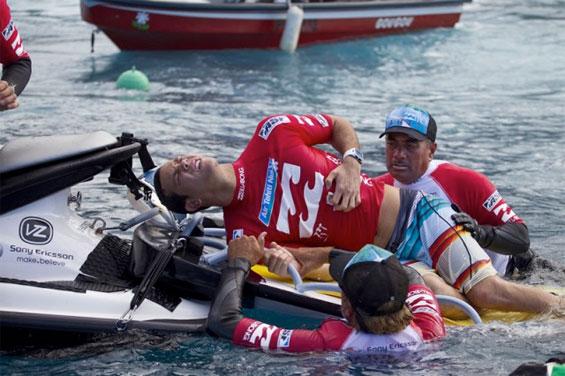 Des nouvelles du surfeur Jordy Smith après sa blessure à Teahupoo