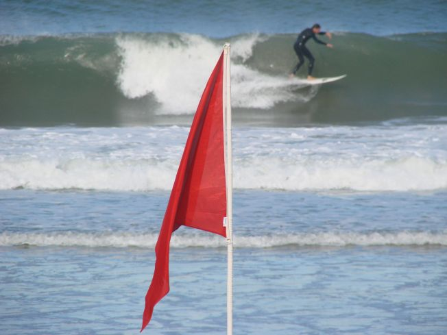 Biarritz : drapeau rouge pour risque de pollution bactériologique