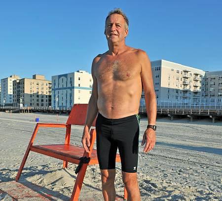Un sauveteur de New York licencié pour refus du port du slip de bain
