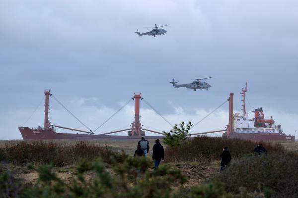 Risque de Marée noire : le TK Bremen s'échoue à Erdeven pendant la tempête Joachim