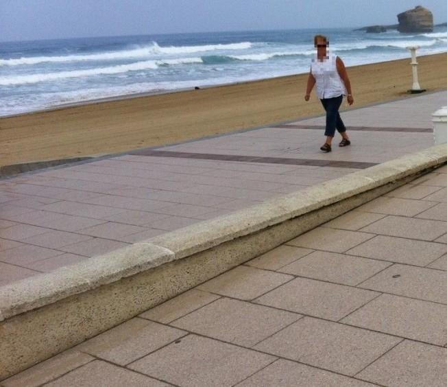 Comment éviter que les eaux de ruissellement et de nettoyage ne finissent dans le sable ou dans la mer ?