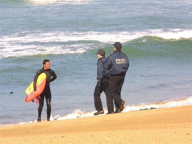 Insolite : David, le surfeur arrêté après la marée noire du Prestige