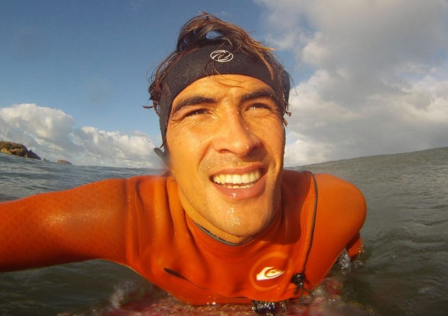 Docteur Surf : «j'ai la barre au front en hiver» [le mal de tête du surfeur]