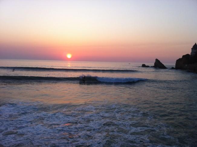 Surfer moins (sur le Net) pour Surfer plus (sur les Vagues)