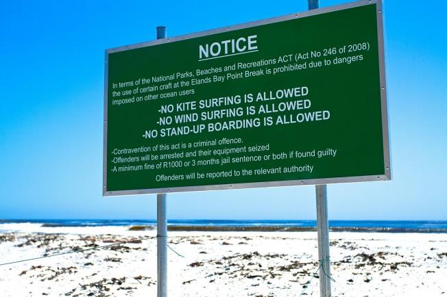 Kite surf, windsurf et SUP interdits : ils tombent dans le panneau !