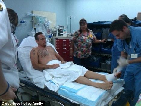 Attaque de requin à Hawaii : le surfeur raconte depuis son lit d'hôpital