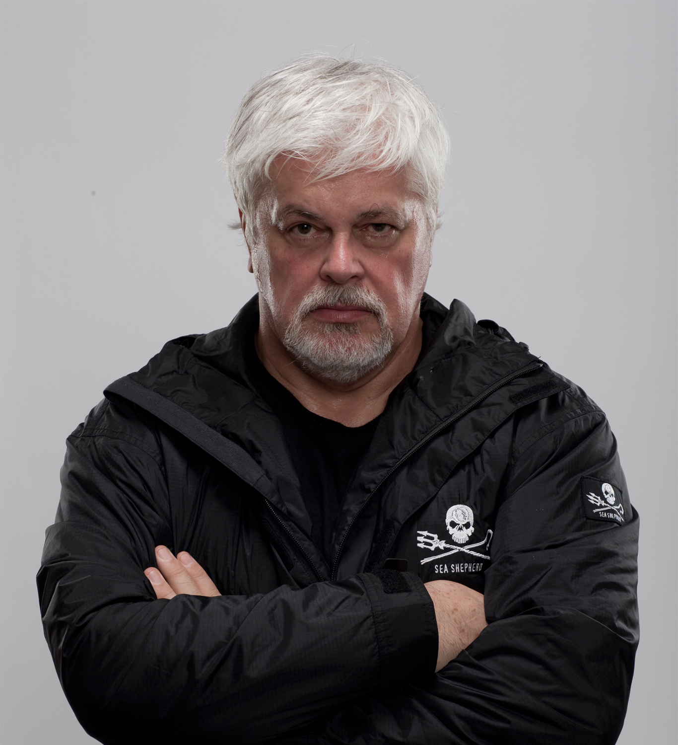 http://blog.surf-prevention.com/wp-content/uploads/2012/05/paul-watson-sea-shepherd.jpg