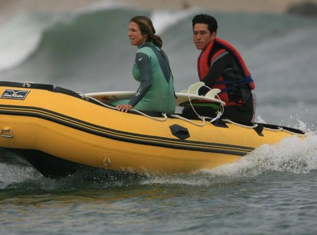 Surfeurs à moteur : pas de bras, mais du chocolat quand même…