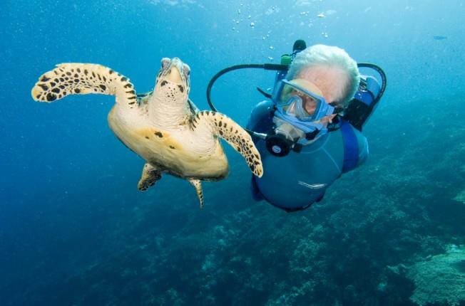 Pour Jean-Michel Cousteau, les Surfeurs sont des Ambassadeurs de l'Océan