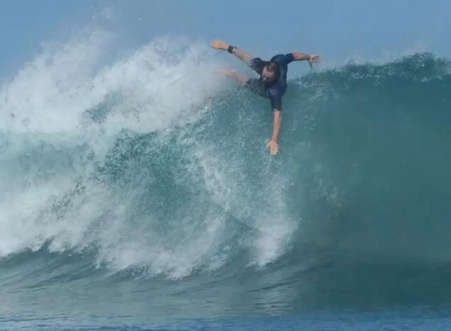 Conseils de prévention pour surfer le reef aux Mentawai en Indonésie