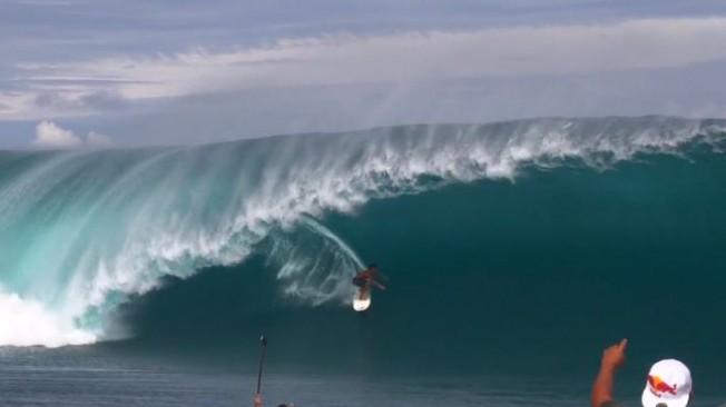 Surf de Grosses Vagues: Trop jeunes pour shooter ?