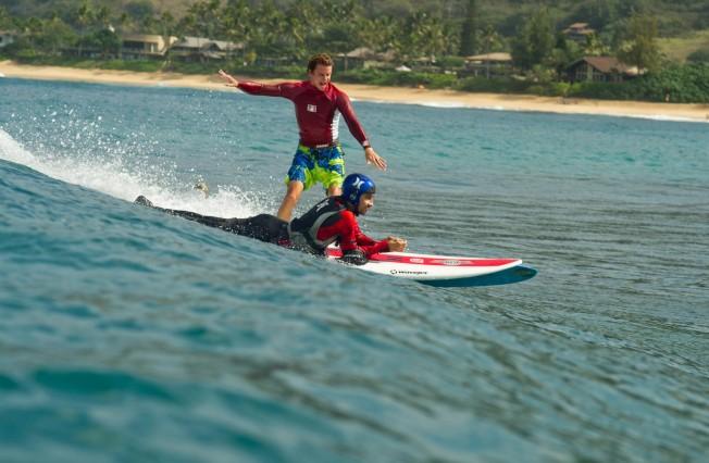 Glisse & Handicap: le WaveJet révolutionne le Handi Surf !