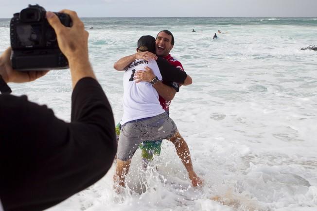 Joel Parkinson Champion du Monde de Surf et Pipe Master 2012 !