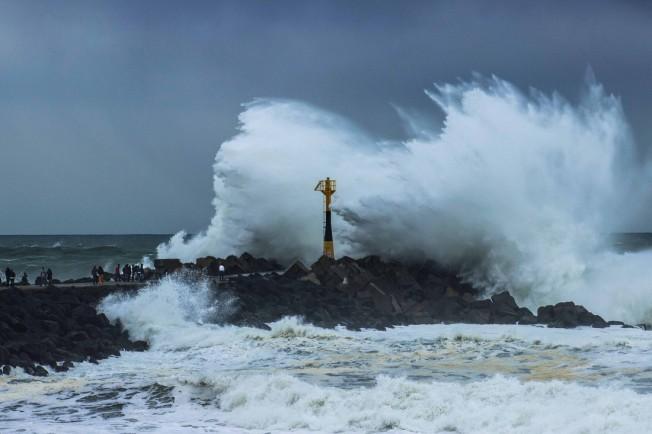 Houle du 16.12.2012.: Vagues géantes à La Barre (Anglet)