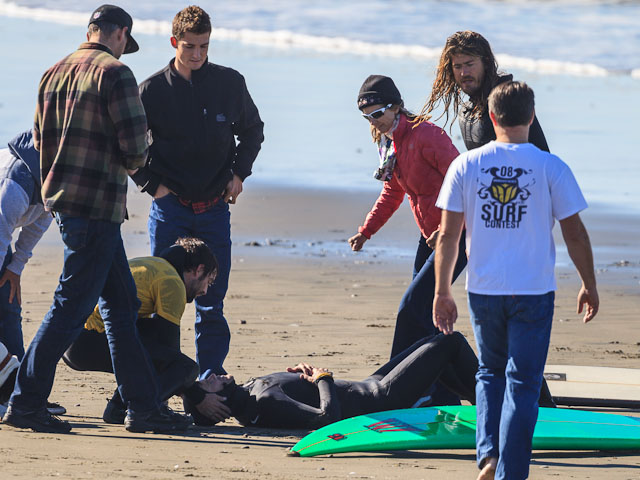 Accident de Surf: Mike Parsons se fracture la vertèbre C7