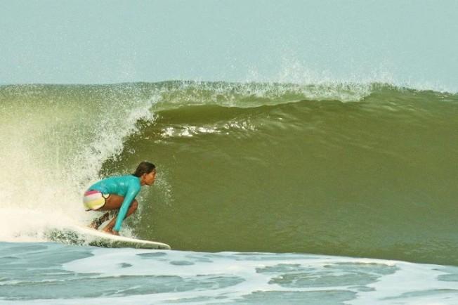 Ishita Malaviya : la première surfeuse en Inde