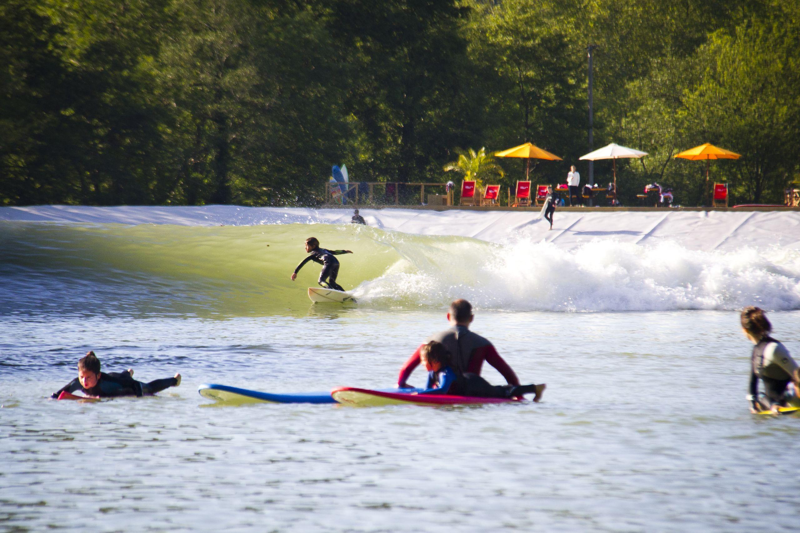 Wavegarden r volutionne la technologie des vagues for Piscine artificielle