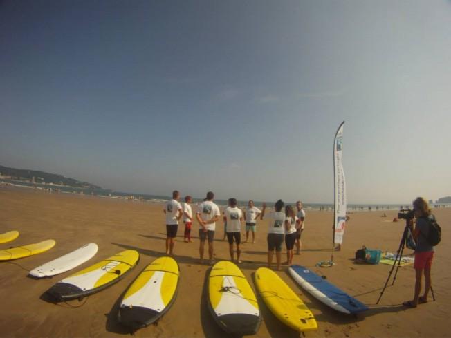 Un Cours de Surf en Langue des Signes