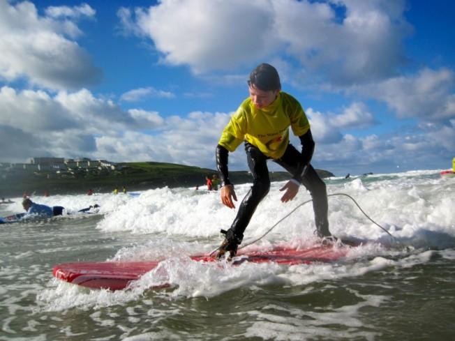La NHS soutient un programme de Prévention en Santé Mentale par le Surf