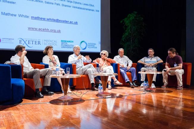 Longévité: Surf et Natation pour Vieillir en bonne Santé
