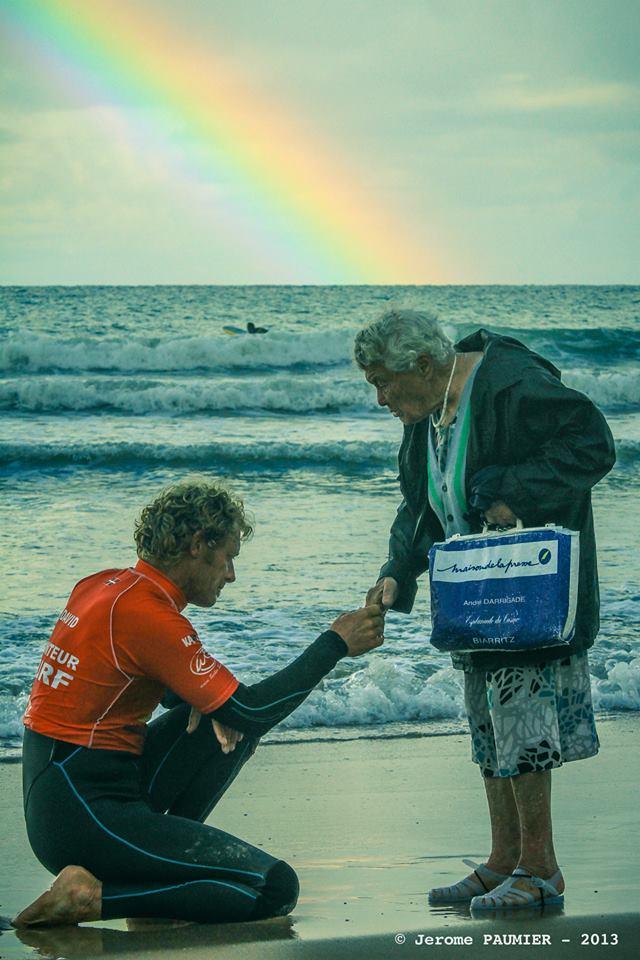 Biarritz : les Surfeurs ont rendu Hommage à Mamie Méduses