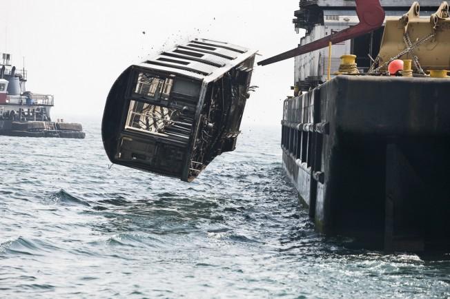 Wagon de métro jeté dans l'océan