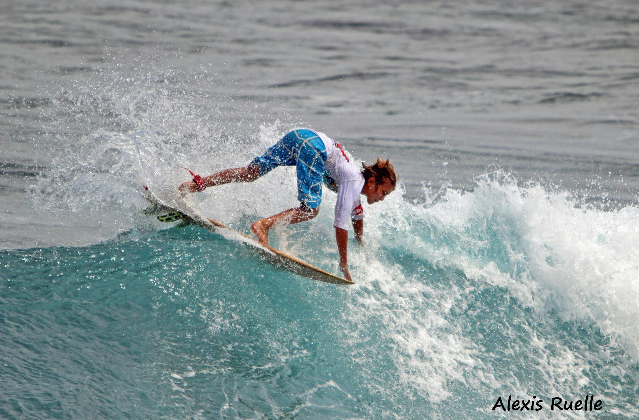 Surfer manger par un requin