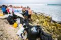 Pollution aux Maldives : des Surfeurs font une Bonne Action