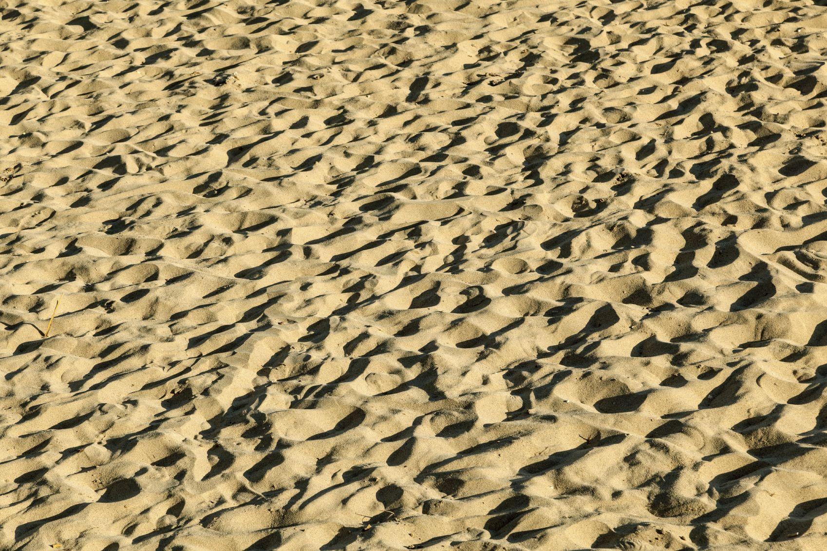 le sable 100 fois plus pollu que l 39 eau de mer. Black Bedroom Furniture Sets. Home Design Ideas