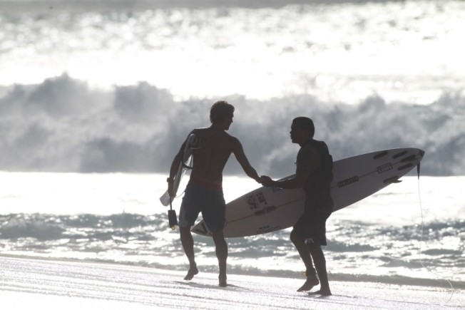aloha spirit surfers