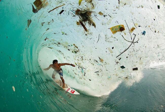 plastique ocean surf