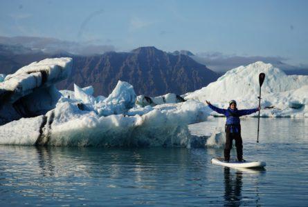 Stand-Up Paddle sur le Glacier Lagoon en Islande