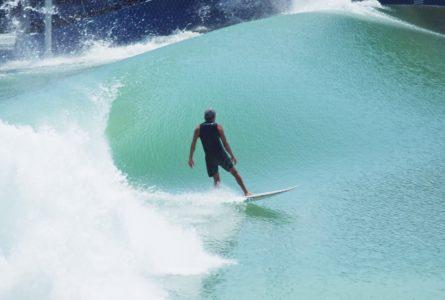 Kelly Slater dévoile la Gauche de son Surf Ranch