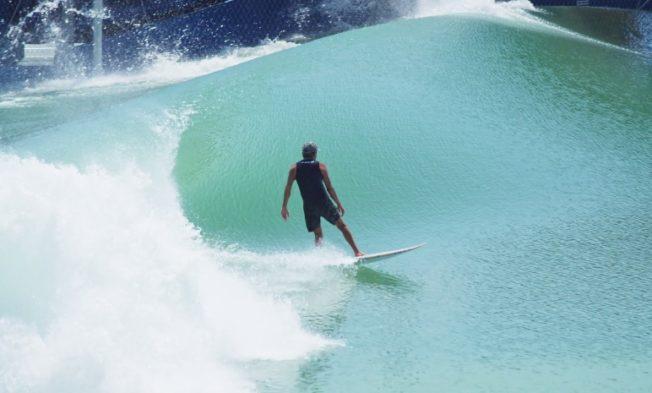 Surfer kelly slater
